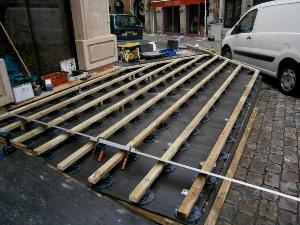 Ems paysage paysagiste caluire et cuire for Terrasse composite sur plot beton